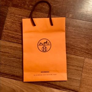 Hermés 🍊 Small Shopping Bag!
